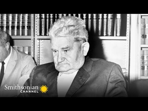 A Would-be Assassin Tracks Down JFK to his Holiday Home | Smithsonian Channel