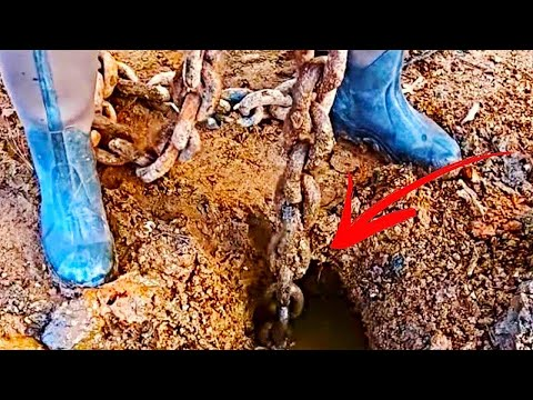 A man saw an old chain in the ground and decided to pull it. He discovered something incredible!